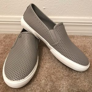 NWT MICHAEL Kors Keaton Perforated Slip-on shoes
